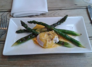 The Suffolk Kitchen - seasonal asparagus, with poached egg and hollandaise sauce